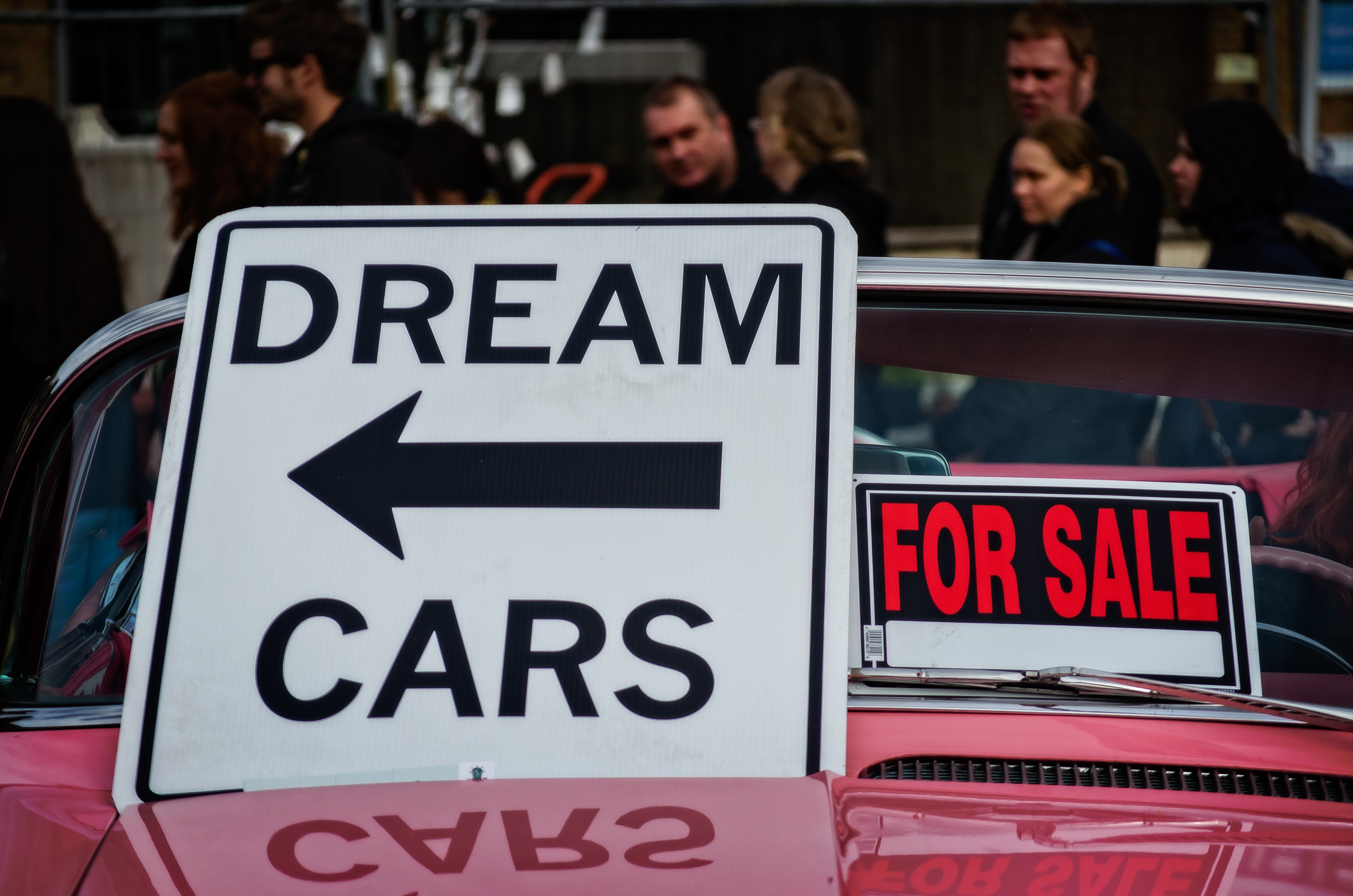 Dream cars sign