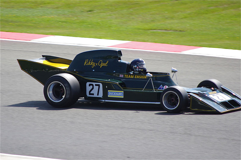 Classic car racing at Silverstone