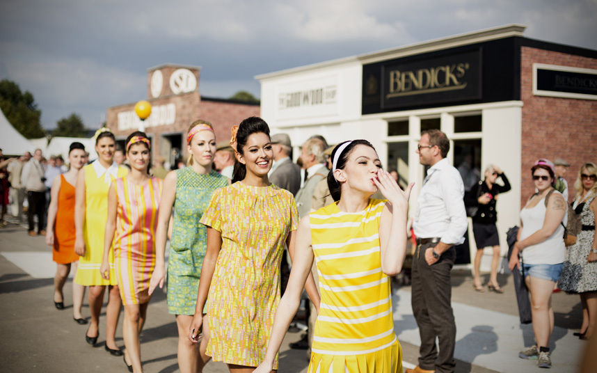Photo of ladies in vintage costumes at Goodwood
