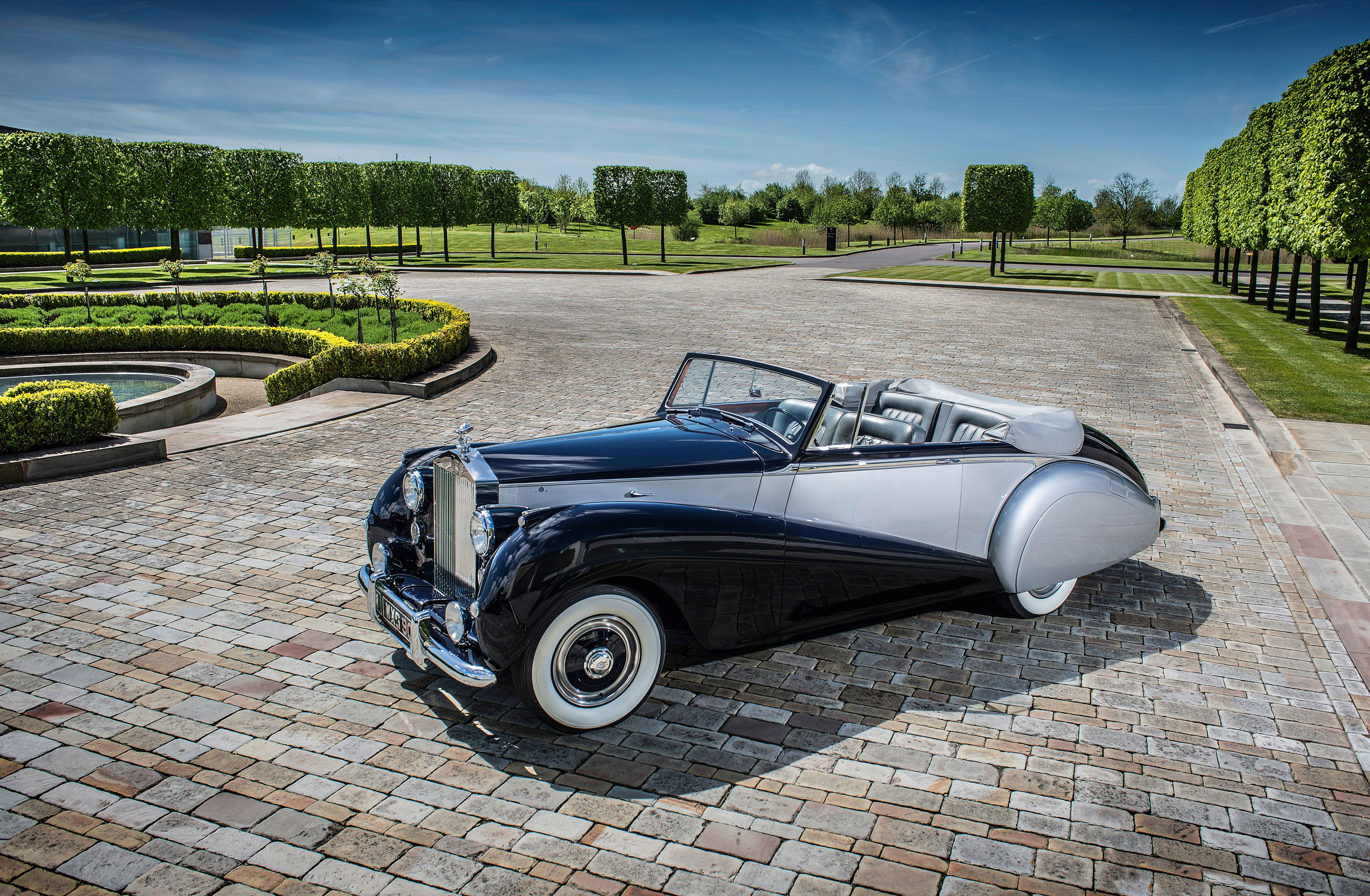 Rolls-Royce to pay homage to a rare classic for a new model ...