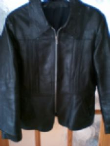 BLACK REAL LEATHER JACKET 12/14 – Pre-owned